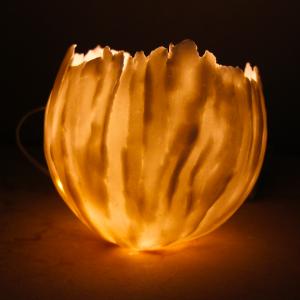 Lichtobjecten in papierporselein